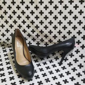 Nine & Co. black heels pumps